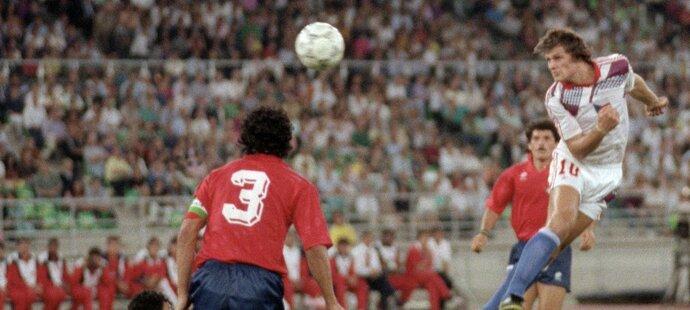 Tomáš Skuhravý v utkání proti Kostarice na MS 1990
