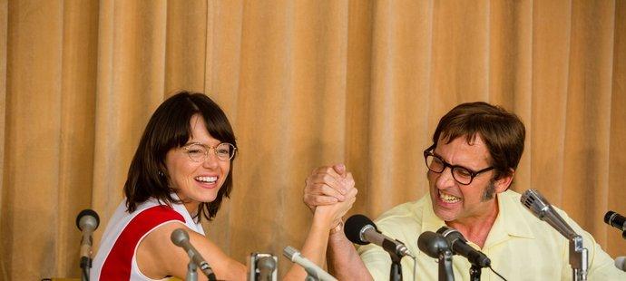Film Souboj pohlaví z roku 2017. Billie Jean Kingovou hrála Emma Stoneová, Bobbyho Riggse ztvárnil Steve Carell.