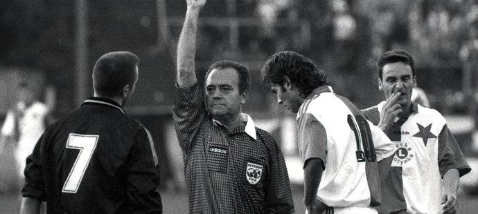 1994. Odchovanec Sparty už v dorostu přestoupil do Slavie. A za ní pak hrál Pohár UEFA, třeba proti AIK Stockholm