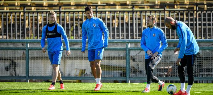 Sparťanští fotbalisté se v pondělí sešli v tréninkovém centru na Strahově