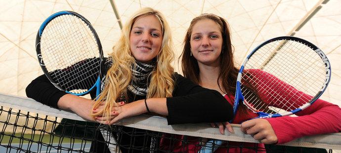 2010. Sestry spolu. Blond Kristýna Plíšková a vpravo Karolína Plíšková.