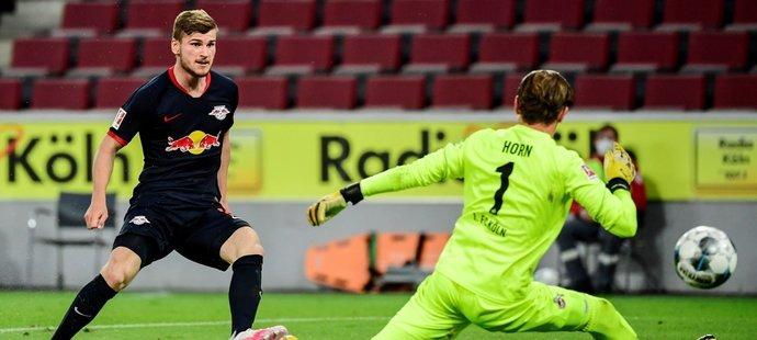 Timo Werner střílí třetí gól Lipska v utkání s Kolínem