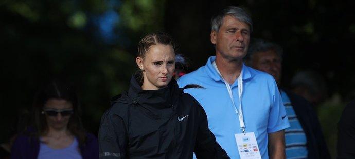 Oštěpařka Andrea Železná závodí pod dohledem svého manžela a trenéra Jana Železného, legendy oštěpu