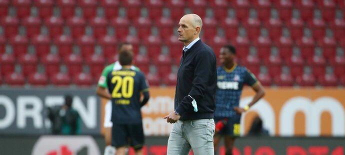 Trenér Augsburgu Heiko Herrlich byl nedávno potrestán, když porušil nařízení a zamířil si koupit zubní pastu