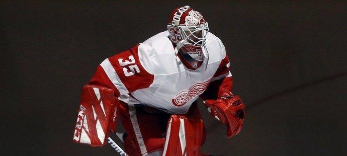 """Jimmy Howard je s """"Hockey Townem"""" spojen od draftu v roce 2003, kdy si ho Red Wings osvojili ve druhém kole z 64. pozice."""