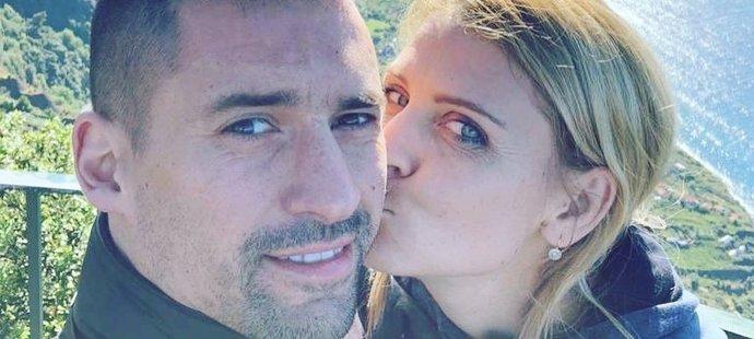 Hokejista Tomáš Plekanec se svou milovanou Lucií Šafářovou