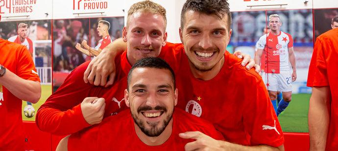 Trio slávistů Nicolae Stanciu, Petr Ševčík a Ondřej Kúdela během oslav ligového titulu v šatně
