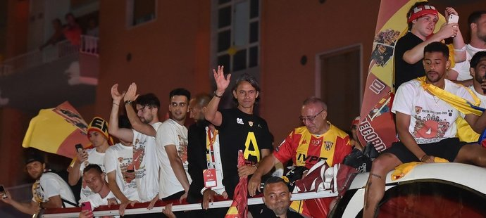 Fotbalisté Beneventa vedení trenérem Filippem Inzaghim si sedm kol před koncem druhé italské ligy zajistili postup do Serie A