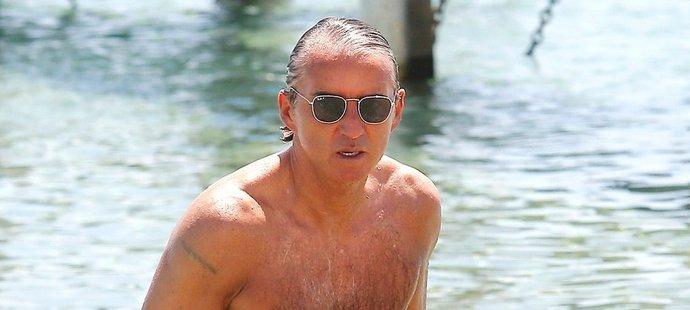 Roberto Mancini je i v 55 letech ve výborné kondici