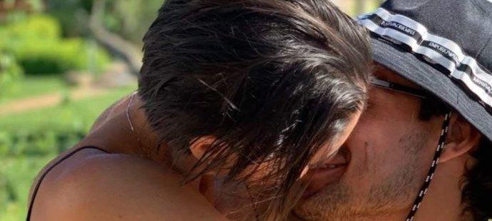 Fabio Fognini se sexy ataku své milované ženušky rozhodně nebránil