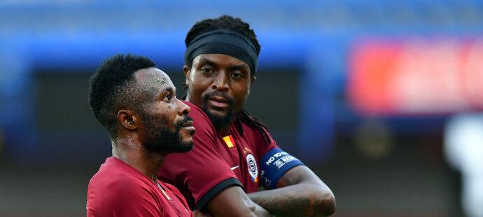 Costa Nhamoinesu (vpravo) se ve Spartě stal klubovou legendou