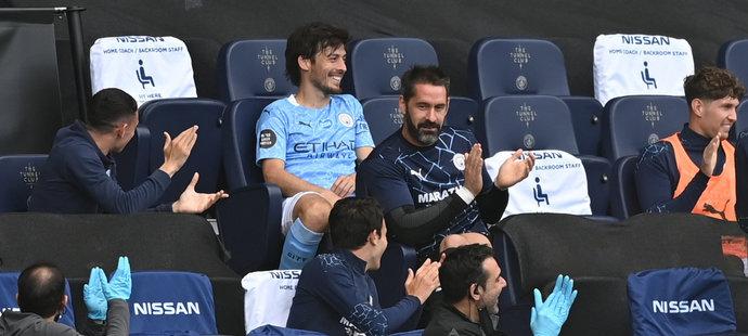 David Silva po svém posledním startu v Premier League za Manchester City proti Norwichi se dočkal aplausu