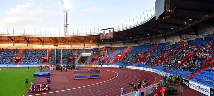 Pohled na ostravský Městský stadion během Zlaté tretry 2020