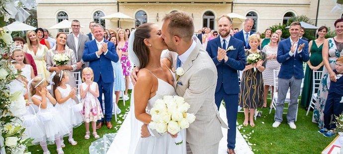 Svatba Daniela Koláře a jeho Sáry byla nádherná.