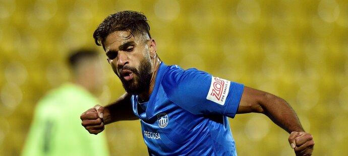 Júsuf Hilál se raduje z proměněné penalty proti FK Riteriai