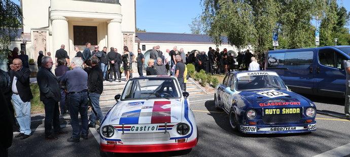 Pohřeb motorsportové legendy Břetislava Engeho
