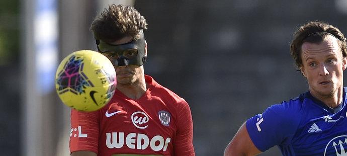 Jan Hlavica odehrál zápas v ochranné masce