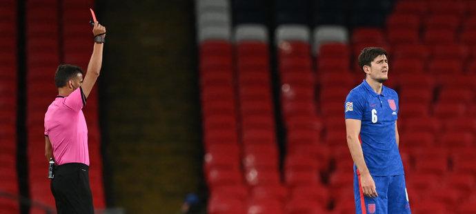 Harry Maguire vydržel proti Dánsku na hřišti jen půl hodiny