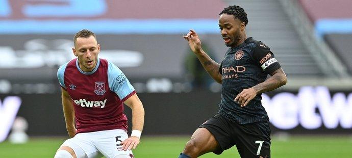 Coufal nejlepším hráčem West Hamu. Chvála i pro Součka, VAR ruku neviděl