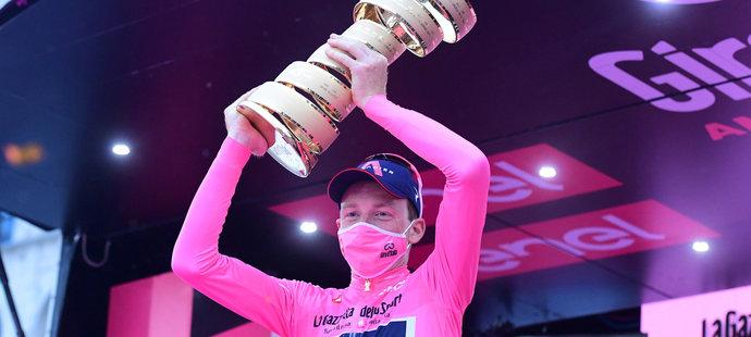 Napínavé Giro vyhrál Brit Hart, skvělý Černý v závěrečné časovce šestý