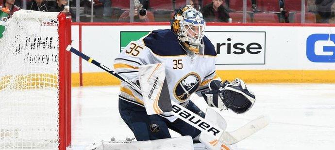 Trh s volnými hráči NHL ONLINE: Bez arbitráže. Buffalo podepsalo gólmana
