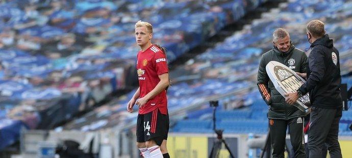 Donny van de Beek v Manchesteru United zatím příliš nehraje