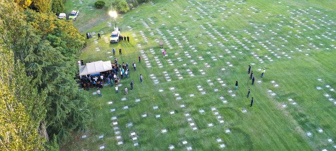Pohřeb Diega Maradony na hřbitově v Buenos Aires