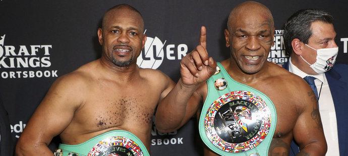 Roy Jones Jr. a Mike Tyson předvedli i po padesátce skvělé boxerské představení