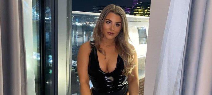 Fotbalistka Madelene Wrightová se živí erotikou.