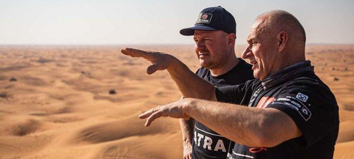 Tomáš Enge strávil týden v dubajské poušti, kde ho Josef Macháček učil jezdit v písku a dunách