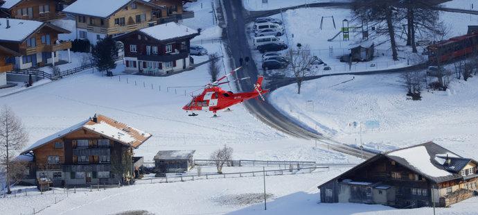 Americký lyžař Tommy Ford byl do nemocnice transportován vrtulníkem.