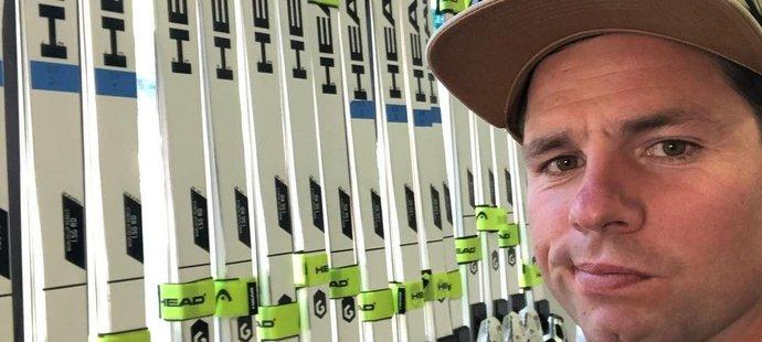 Beat Feuz má v lyžárně z čeho vybírat