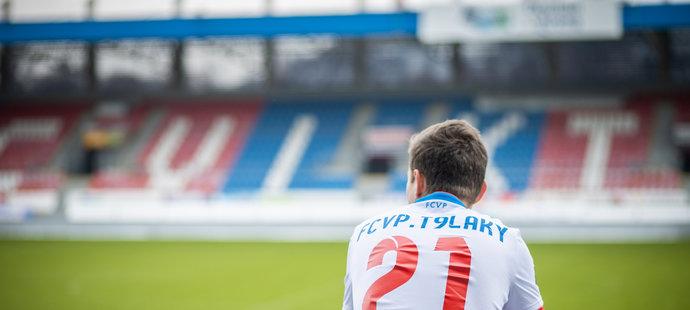 "Lukáš ""T9Laky"" Pour reprezentuje FCVP Esport"