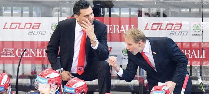 Vladimír Růžička na lavičce Hradce s Tomášem Martincem v sezoně 2019/2020