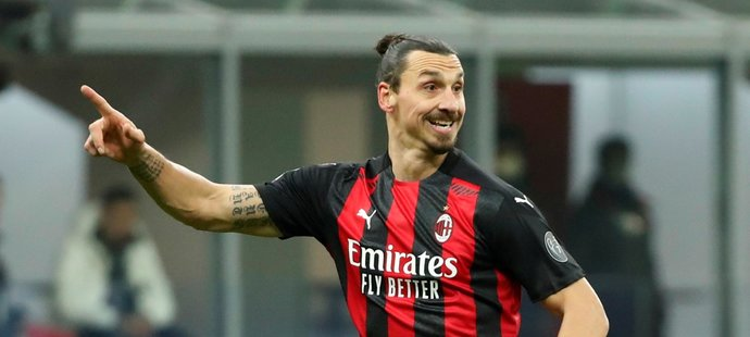 Útočník italského AC Milán Zlatan Ibrahimovic chce hrát na nejvyšší úrovni další rok