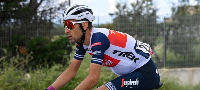 Italský jezdec Vincenzo Nibali vyhrál slavný domácí závod v roce 2016