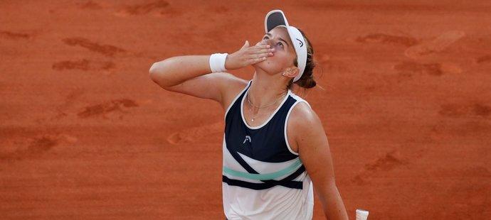 Česká tenistka Barbora Krejčíková si užívá postup do finále French Open