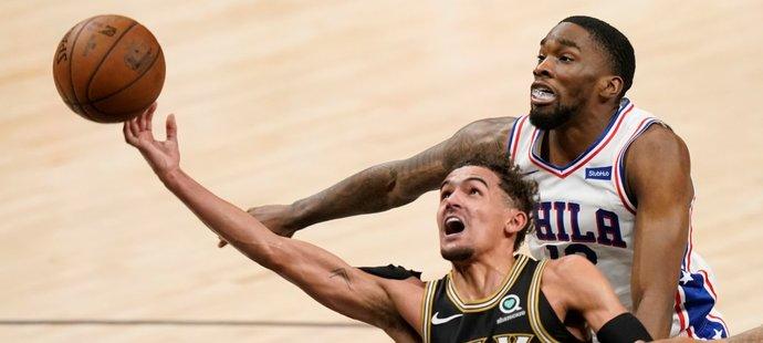 Basketbalista Atlanty Trae Young se stal mužem zápasu, když Hawks zařídil srovnání série play off NBA s Philadelphií