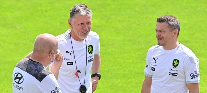 Realizační štáb české reprezentace... Kouč Jaroslav Šilhavý a manažer Libor Sionko.