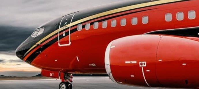 Fotbalová reprezentace má pro přepravu do Skotska k dispozici bezmála třicet let noblesní boeing 737-500.