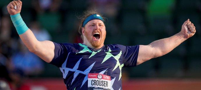 Americký koulař Ryan Crouser překonal letitý světový rekord