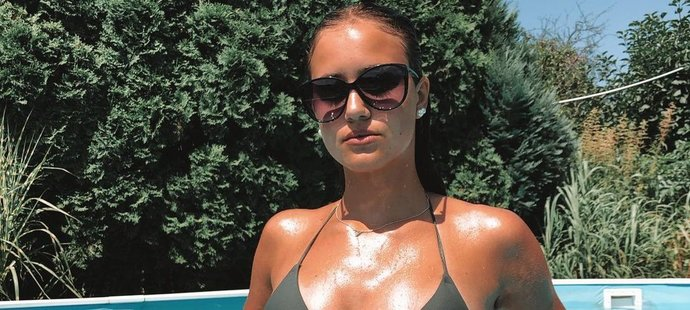 Láska talentovaného fotbalisty Adama Hložka Veronika Štůsková