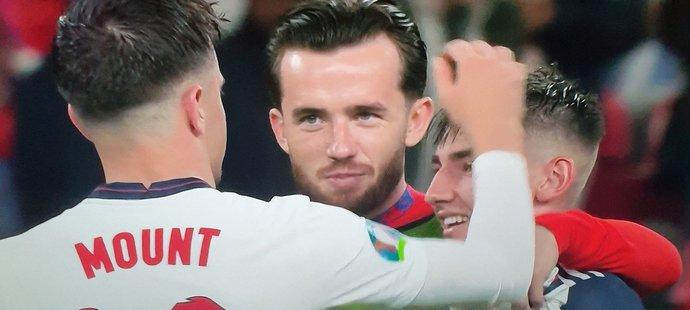 Kvůli tomuto momentu po utkání se Skotskem musí dva angličtí hráči do izolace