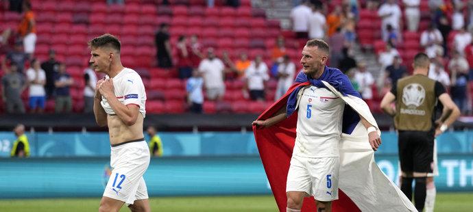 Vladimír Coufal slavil s vlajkou po boku Lukáše Masopusta