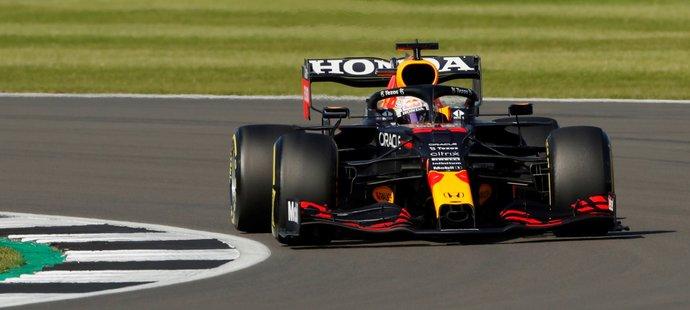 Max Verstappen vyhrál premiérovou sprintovou kvalifikaci ve Velké Británii