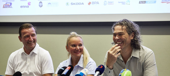 Vladimír Šmicer a Jaromír Jágr na tiskové konferenci