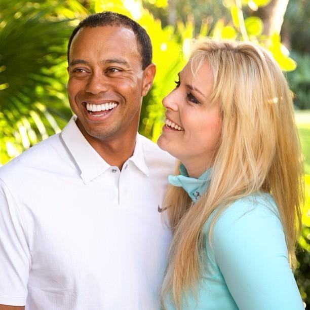 Sjezdařka Lindsey Vonnová přiznala na facebookovém profilu, že její přátelství s golfistou Tigerem Woodsem přerostlo v lásku. Vonnová přiznala, že je šťastná