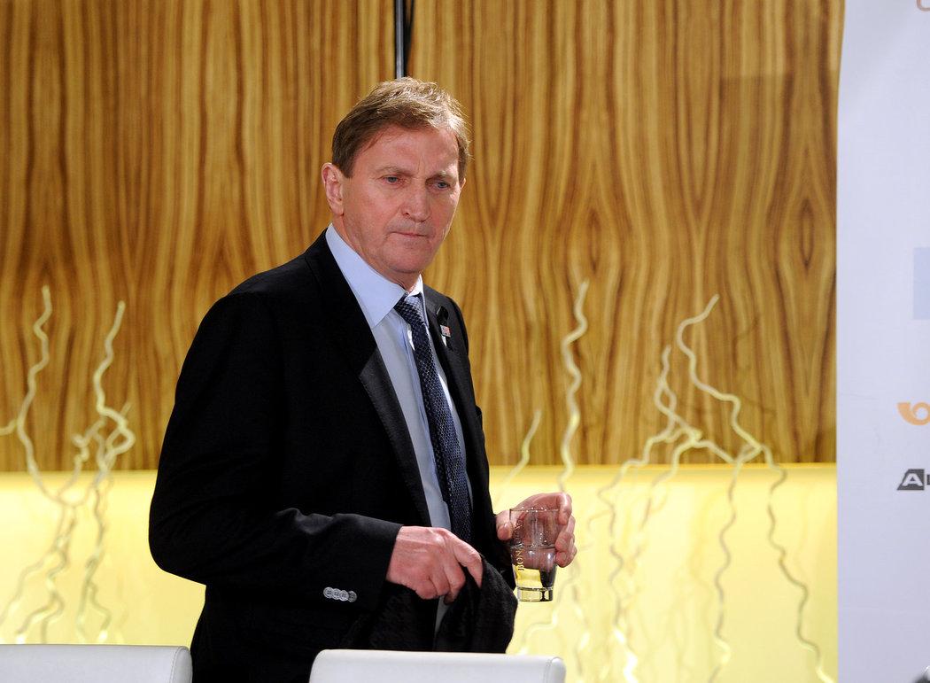 Trenér Alois Hadamczik během tiskové konference