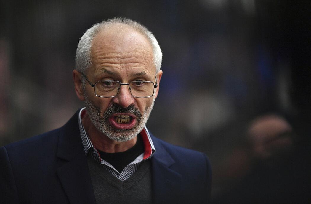 Václav Sýkora postoupil s Hradcem do semifinále a dostal smlouvu i na příští sezonu