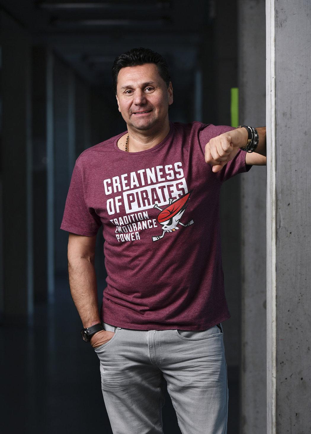 Vladimír Růžička pózuje pro Sport Magazín